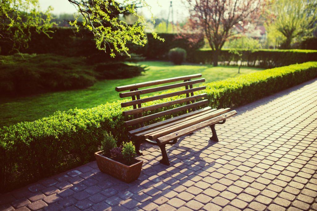 backyard bench flora 5760